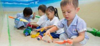Experiential Play at Kiddiwinkie Schoolhouse @ Newton